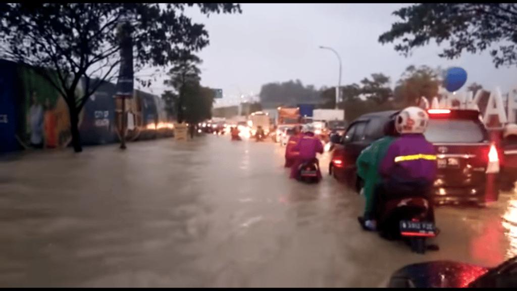 Meikarta Kebanjiran Sempat Menjadi Berita Viral