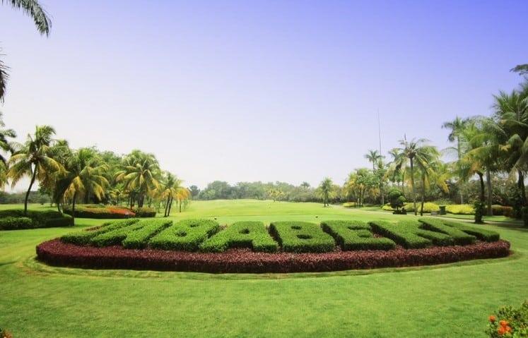 lapangan golf di Jababeka Cikarang
