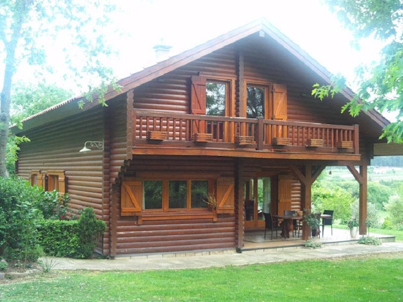 Model Rumah Kayu Nuansa Tradisional